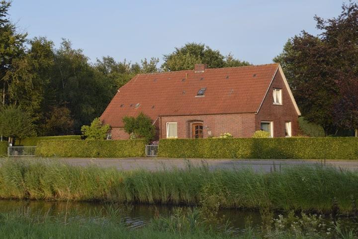 Fehnhaus an der Deutschen Fehnroute