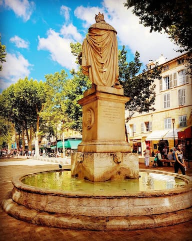 Aix en Provence by StayInProvence