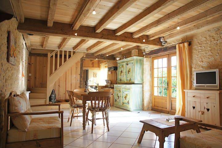 Ancienne grange  rénovée - Calès - Casa