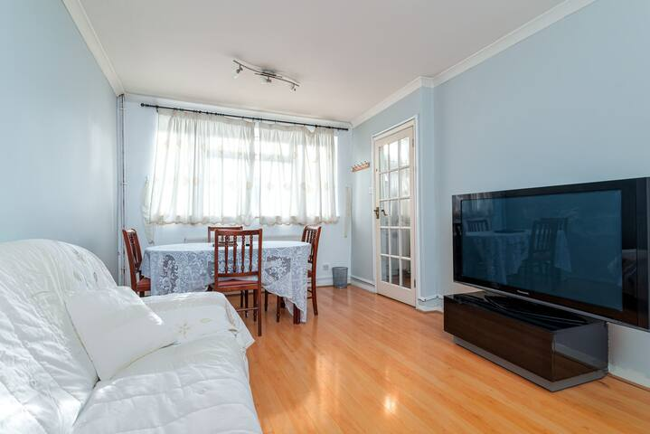 GuestReady - Spacious Maisonette in Central London