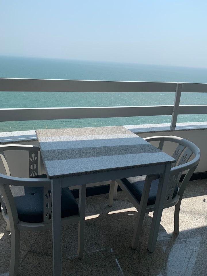 Invincible sea view, traffic convenience