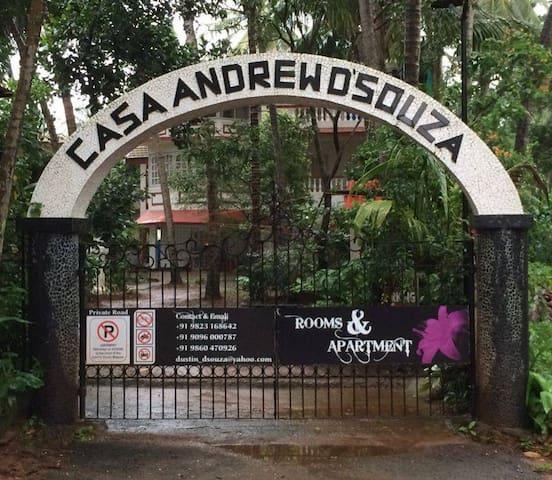 Casa Andrew D'souza Guest House