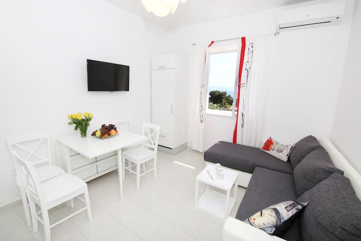 LU - NEW **** APARTMENT WITH SOUL