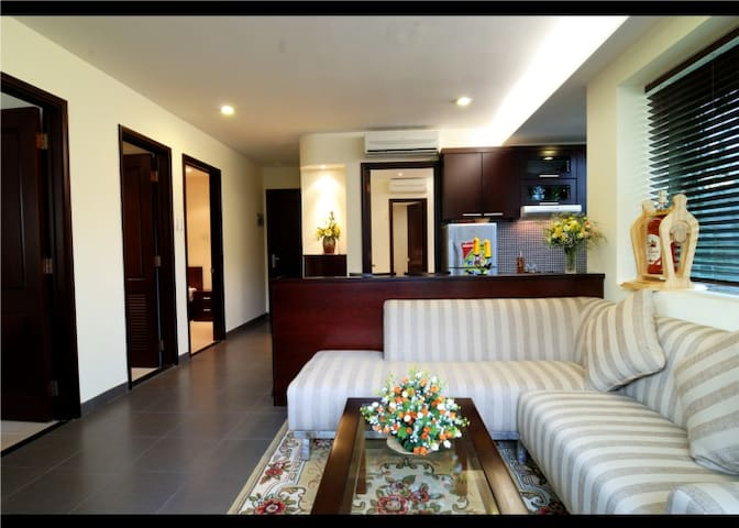 3BR (Unit A) Luxury GREEN Apt near centre+ airport - Ho-Chi-Minh-Stadt - Wohnung