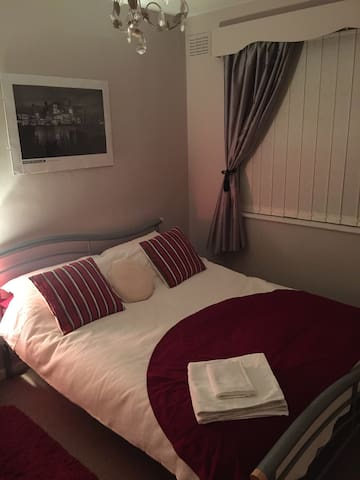 1 double room with all amenities, Peaceful room 1 - Middlesbrough - House