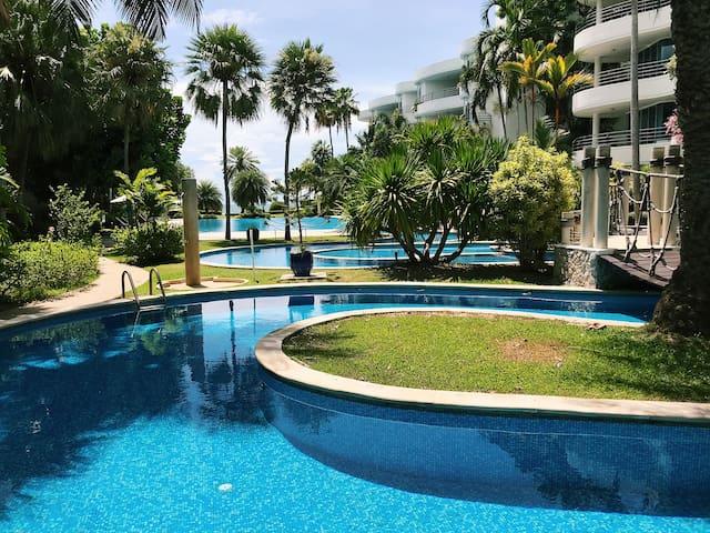 Hua Hin Condo with 200m Pool & Private Beach