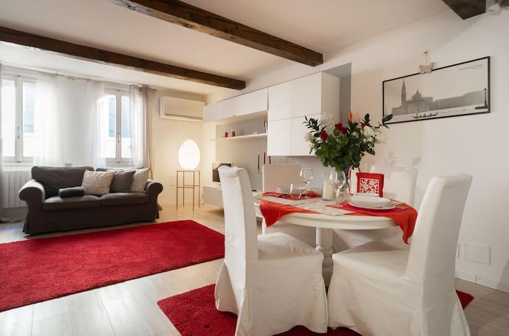 Rialto elegant apartment