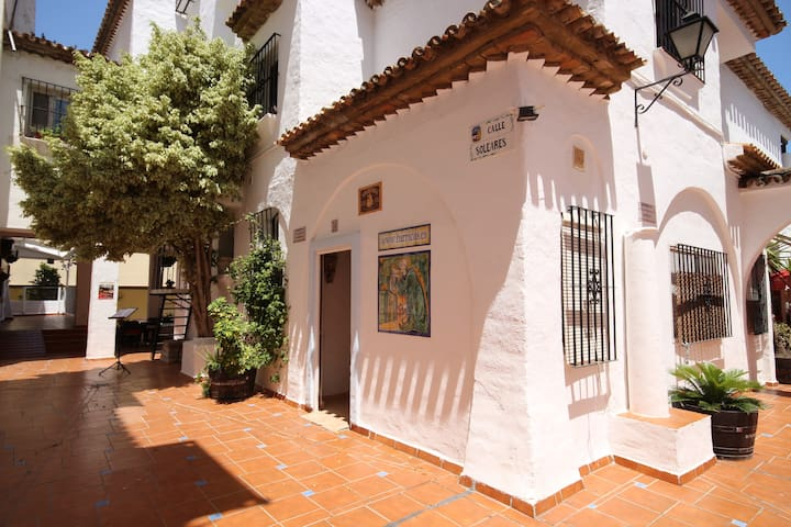 Cosy apartment: enjoy Torremolinos life & beaches! - Torremolinos