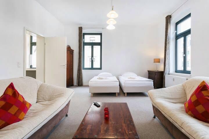Schöne 2-Raum-Wohnung in alter Villa für 2 Personen