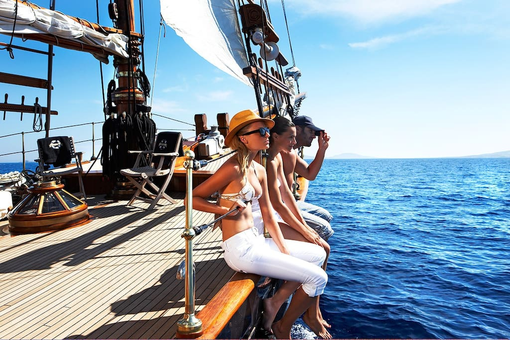 Sailing yacht for 49 persons