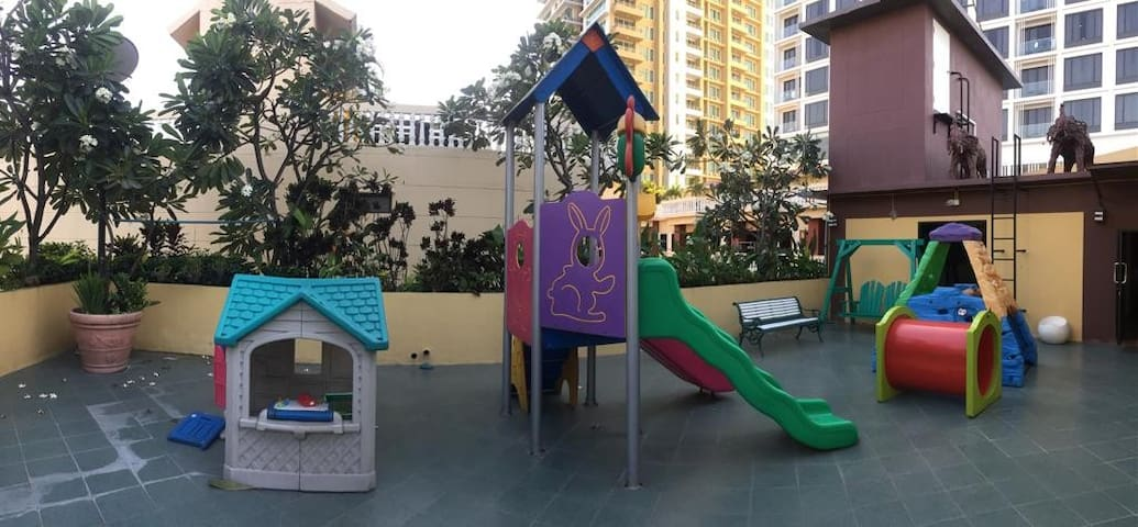 2nd childs play area