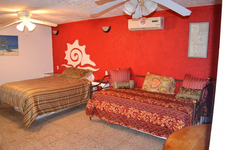 Beach Front Suite Caracol