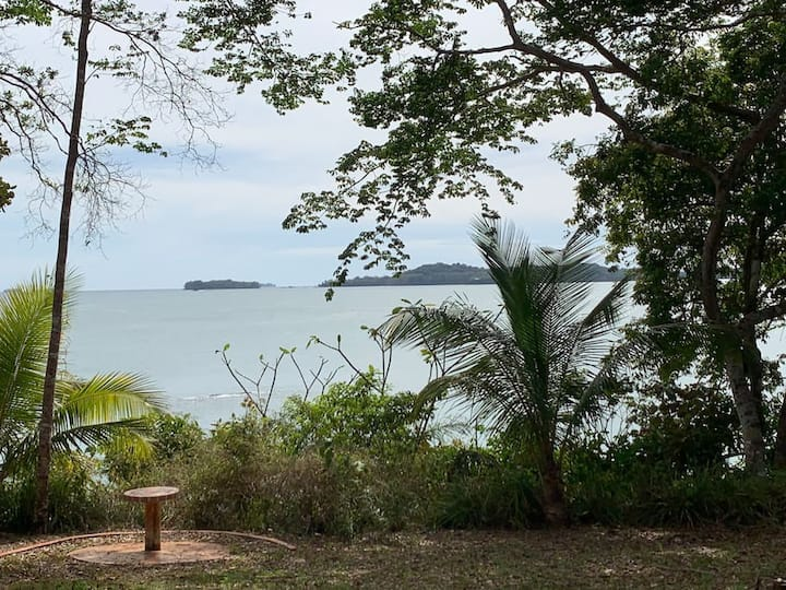 Casita Mapachin Boca Brava Island