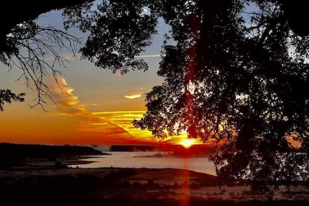 Breathtaking sunrises @ our Secluded Lake Cottage