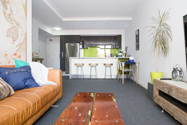 Centrally Located Modern Flat with Parking & Pool
