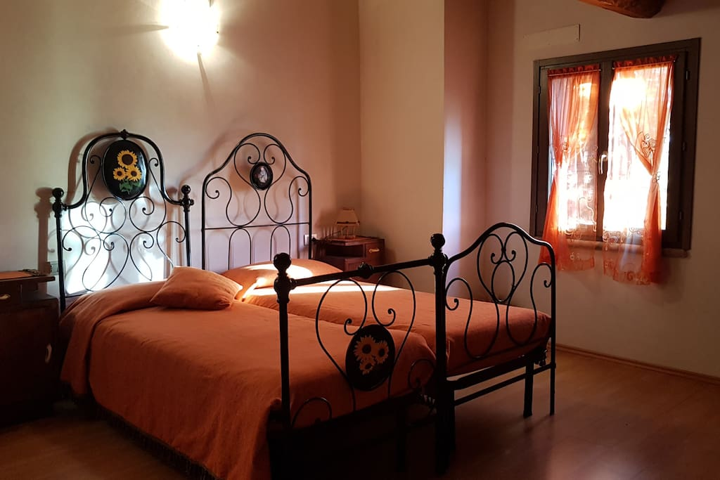 b b castelboccione chambres d 39 h tes louer urbino. Black Bedroom Furniture Sets. Home Design Ideas