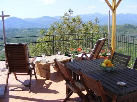 Lunigiana, tranquil between Mountains and  Sea
