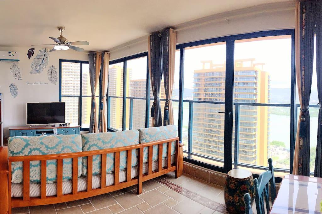36平方米的阳台+客厅