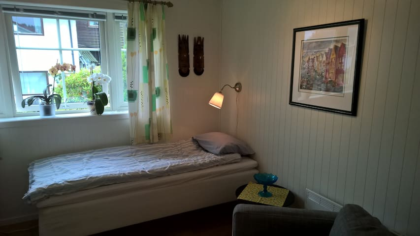 Nice apartment just 20 minutes by bus from Bergen - Askøy