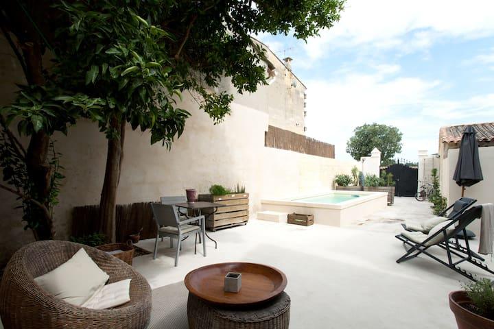 Maison ancienne avec piscine chambre de 18 m2