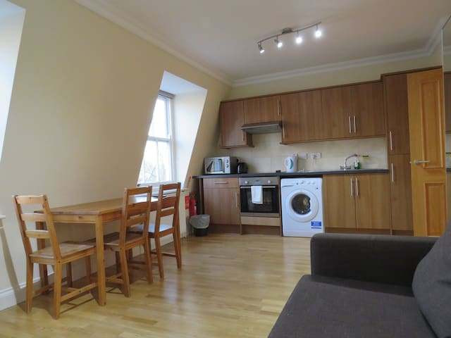 1 Bedroom Flat in Bayswater, Hyde Park, London, 5C
