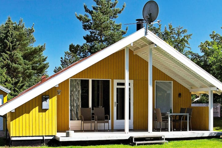 Large Holiday Home in Farvang with Barbecue
