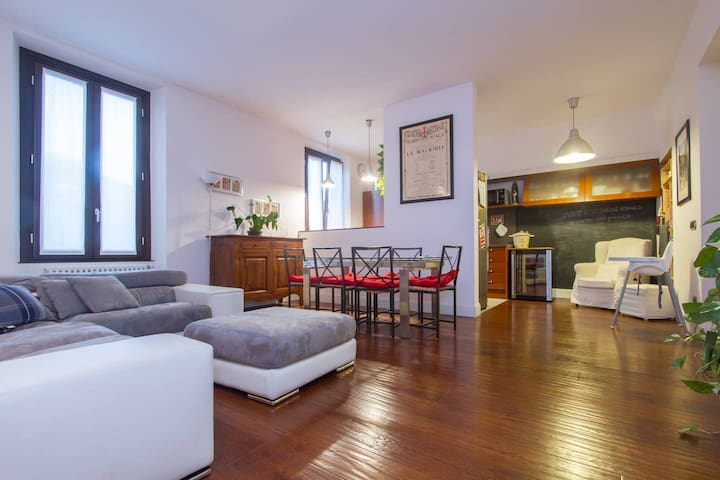 Amazing & spacious apt in Centrale