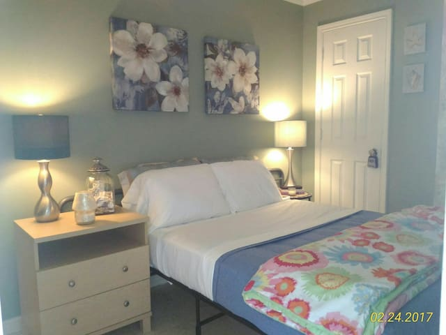 Ocean Bliss Condo steps away from the Beach - Galveston - Apartemen