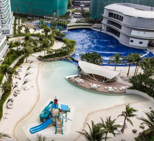 Azure Resort w/ Wave Pool! 2BR for 6! Beach View
