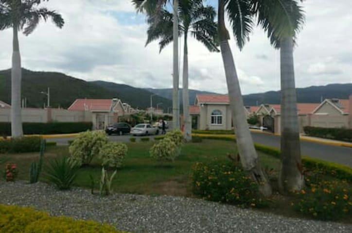 Entrance-Caymanas Country Club Estate, Gated Community