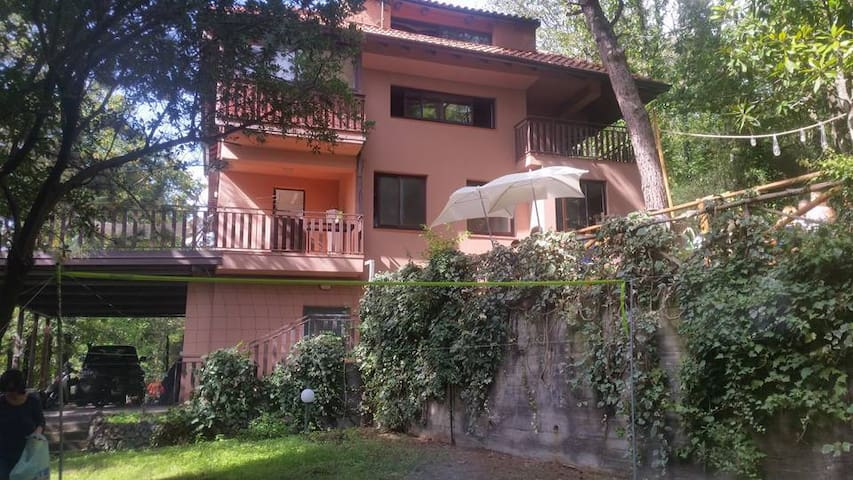Cozy double bed room on the Etna Park - Pedara