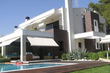 4 BD, Villa, Waterfront, Private pool in Posidi - Posidi - Vila