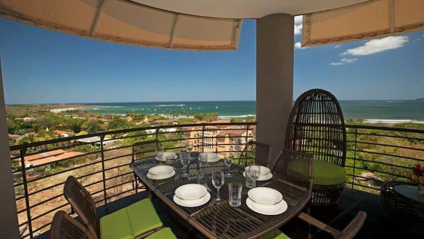 La Perla has 3 terraces w/ panoramic ocean views