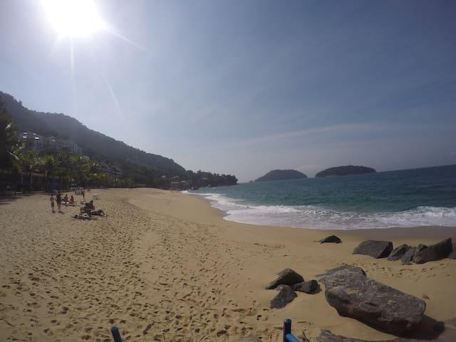 Apto Angra vista p/ o mar em condomínio com praia - Mangaratiba - Apartmen