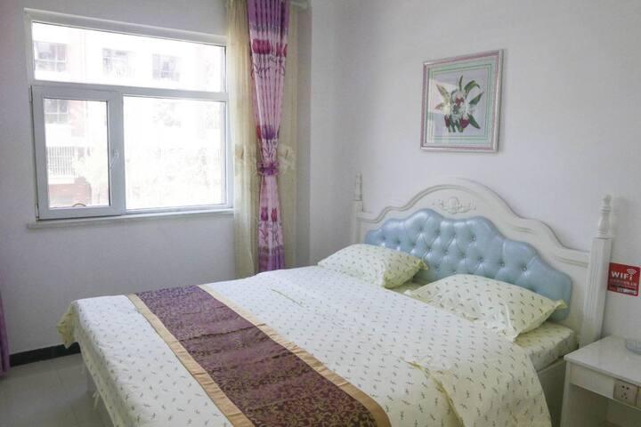 西宁曹家堡机场附近+途居家庭宾馆+舒适大床房+108元