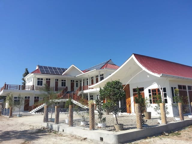 The Lodge Ngwe Taung