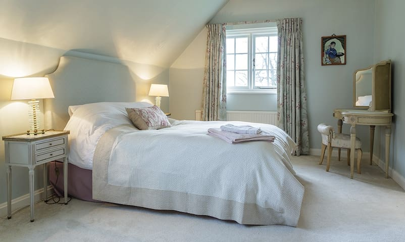 Private bedroom in beautiful rural family home