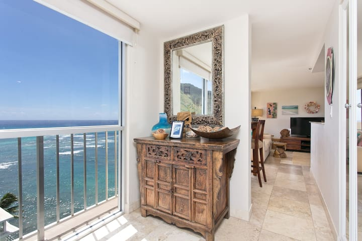 Well Appointed Penthouse Private Ocean Lanai 1401