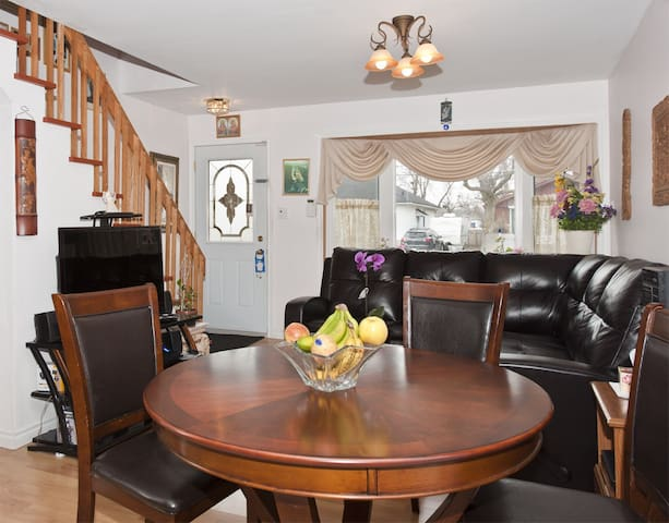 Neptune Dorval  5min from airport - Dorval
