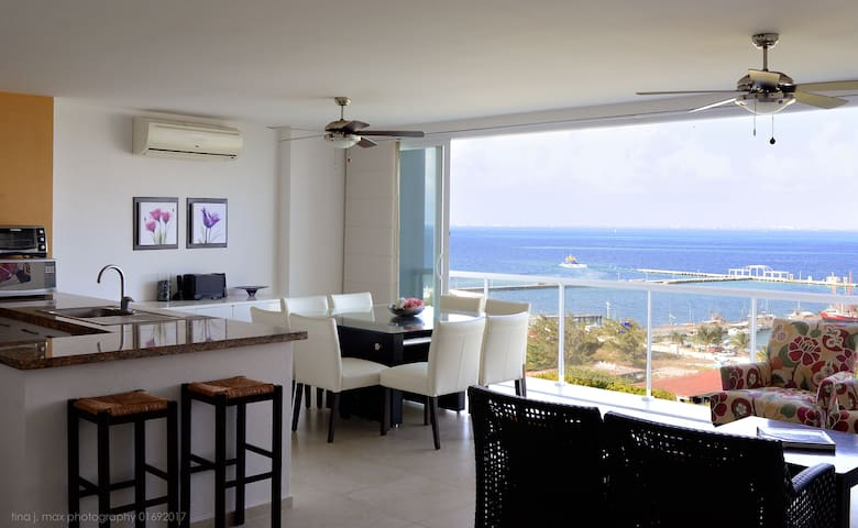 Furnished apartment ocean front