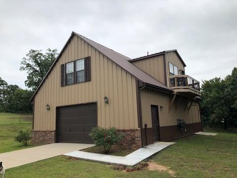 Country neighborhood guesthouse Tinker/East OKC