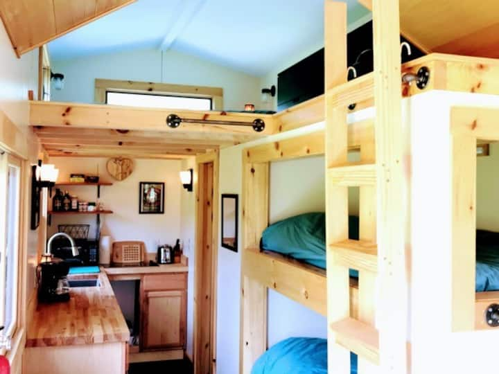 The Dewdrop, tiny house in the Land of Waterfalls!