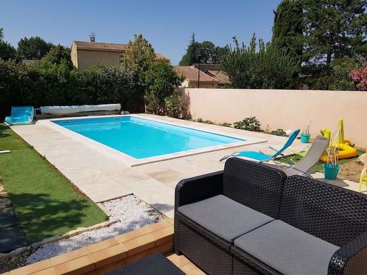 house with swimming pool in a quiet quarter
