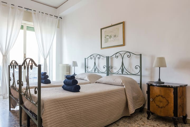 Unique Etna and sea view and a private bathroom - Catania - Apartmen