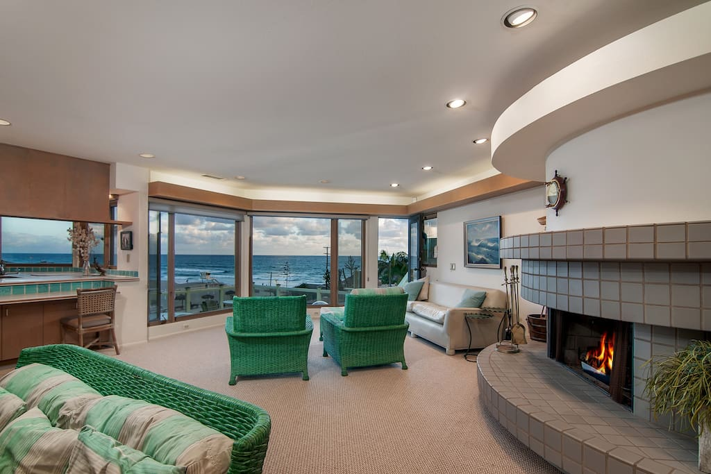 Second living room has huge windows overlooking the Pacific!