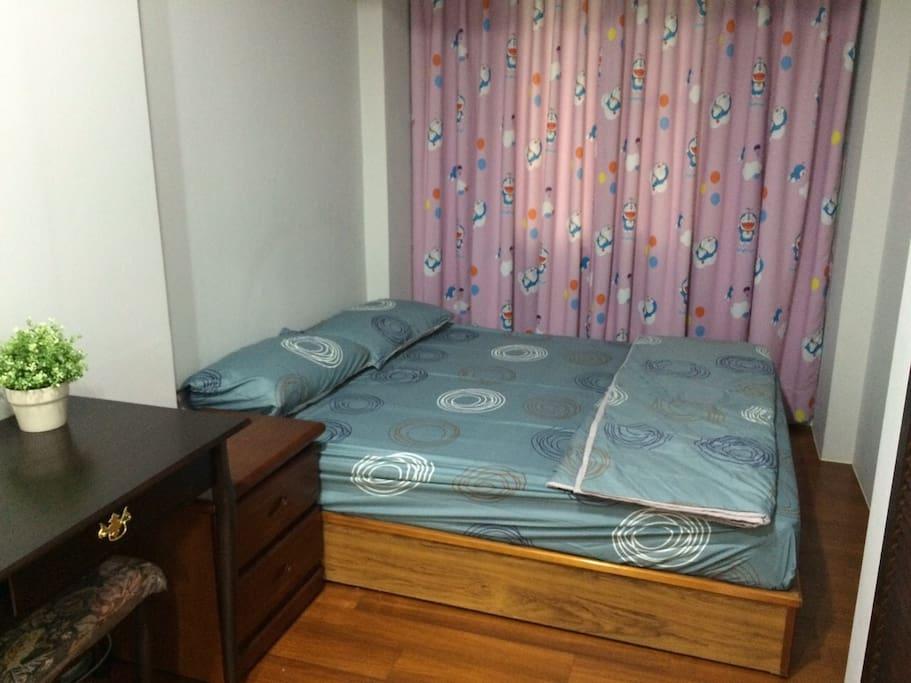 雙人床房間二號 類似房間還有一間