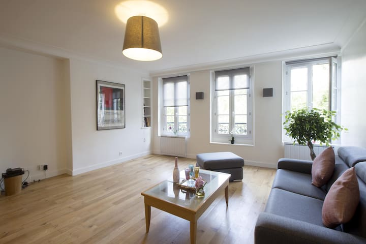 Chic & Trendy apartment in Le Marais!