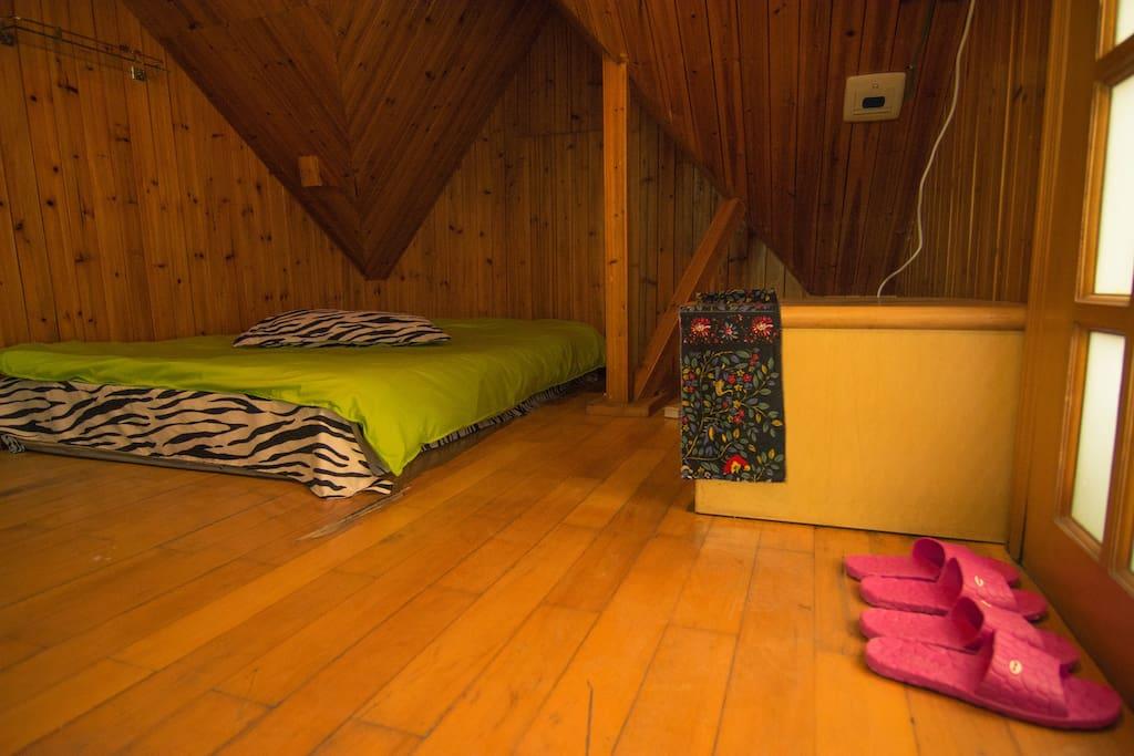 木舍1.2米榻榻米床-2