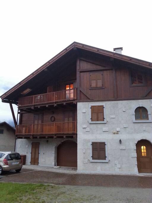 L'appartamento con terrazzo e il posto auto riservato (Reserved parking)