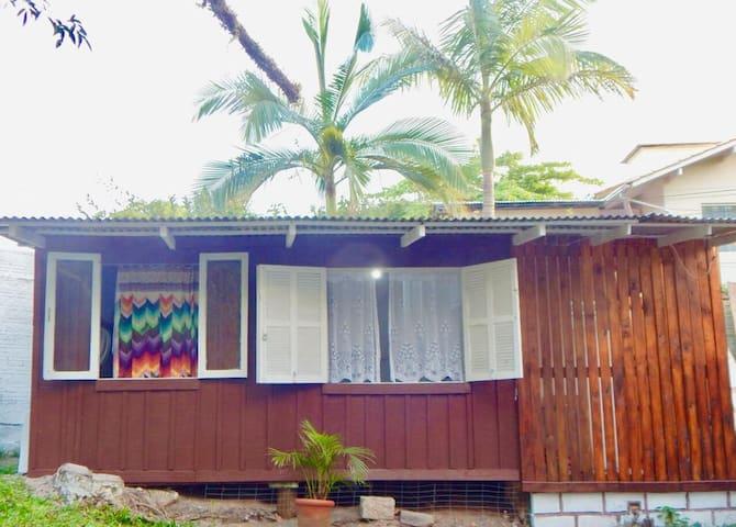 """Surf House""  Lagoinha  ALUGUEL MENSAL R$1100"